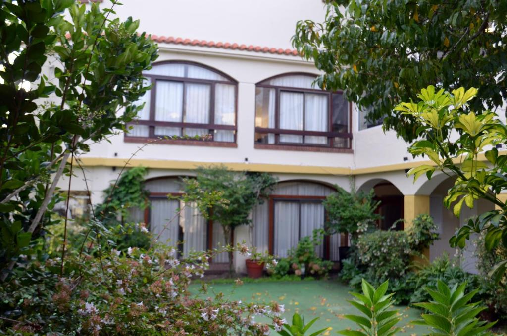 HOTEL COLONIAL GESELL (Argentina Villa Gesell) - Booking.com