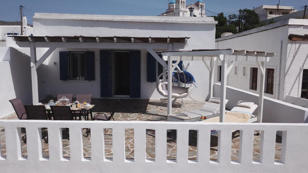 The Veranda Of Gavrion Exclusive Centrally Located With