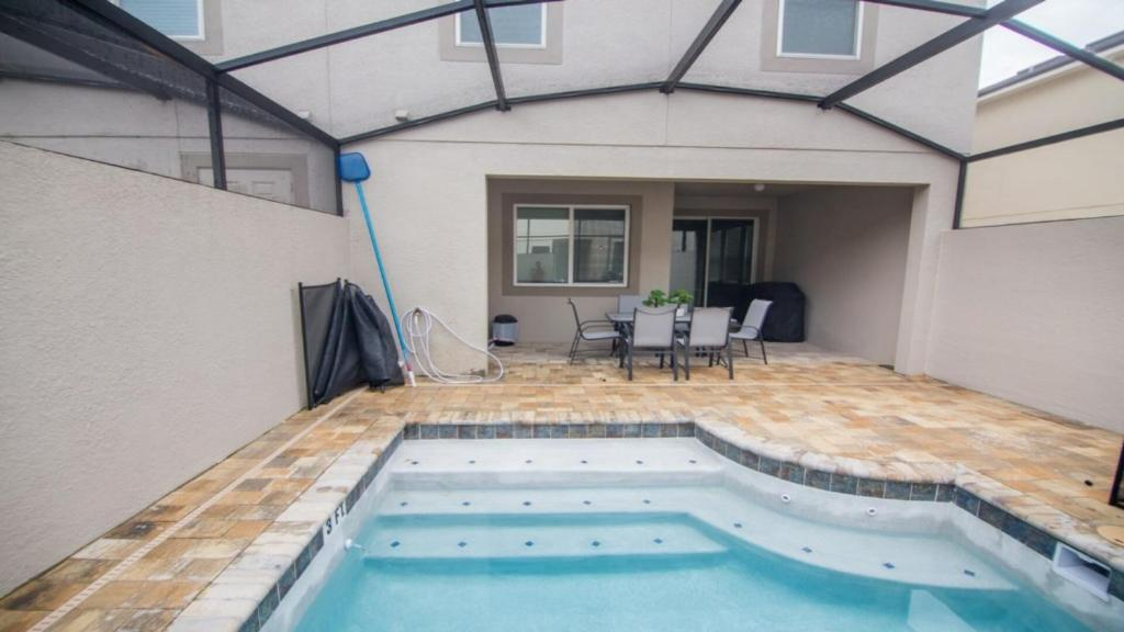 Басейн в Disney On Budget - Solara Resort - Welcome To Cozy 4 Beds 4.5 Baths Townhome - 5 Miles To Disney або поблизу