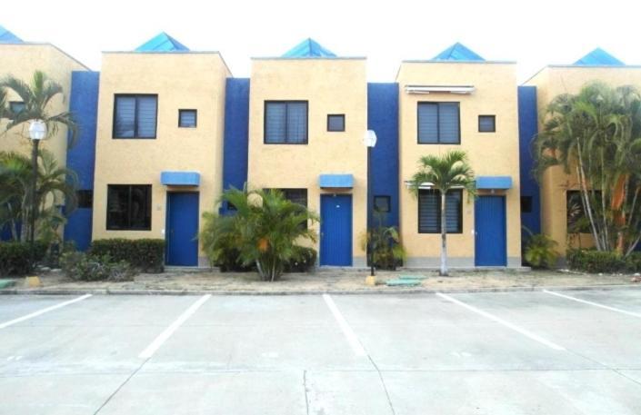 Town House Higuerote Higuerote Precios Actualizados 2020