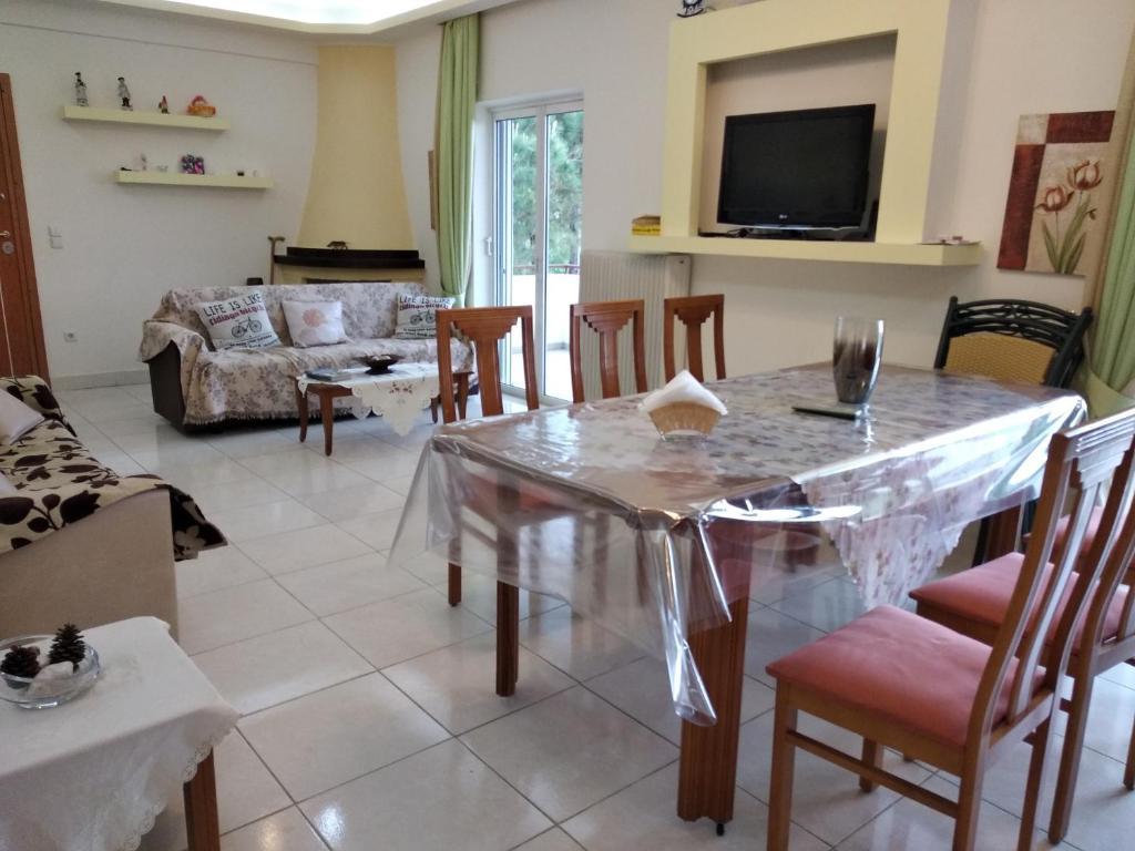 Sensational Apartment Kostas Family House Kato Assos Greece Booking Com Caraccident5 Cool Chair Designs And Ideas Caraccident5Info