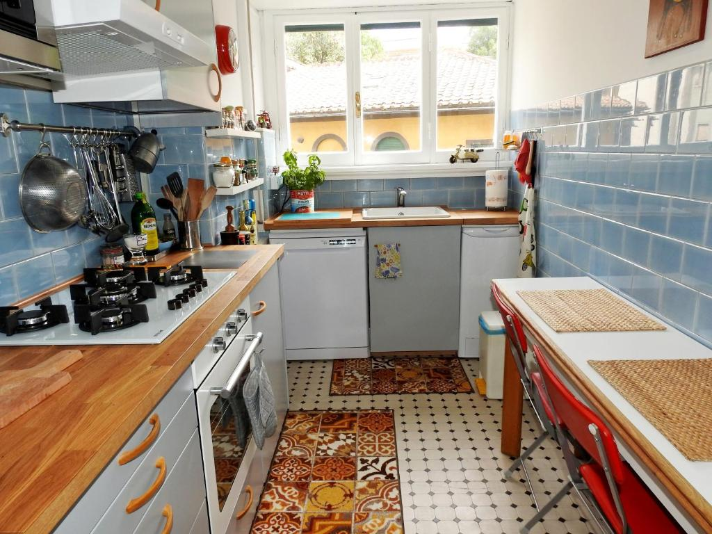 A kitchen or kitchenette at Your SPECIAL apartment for relaxing in VATICAN PRATI