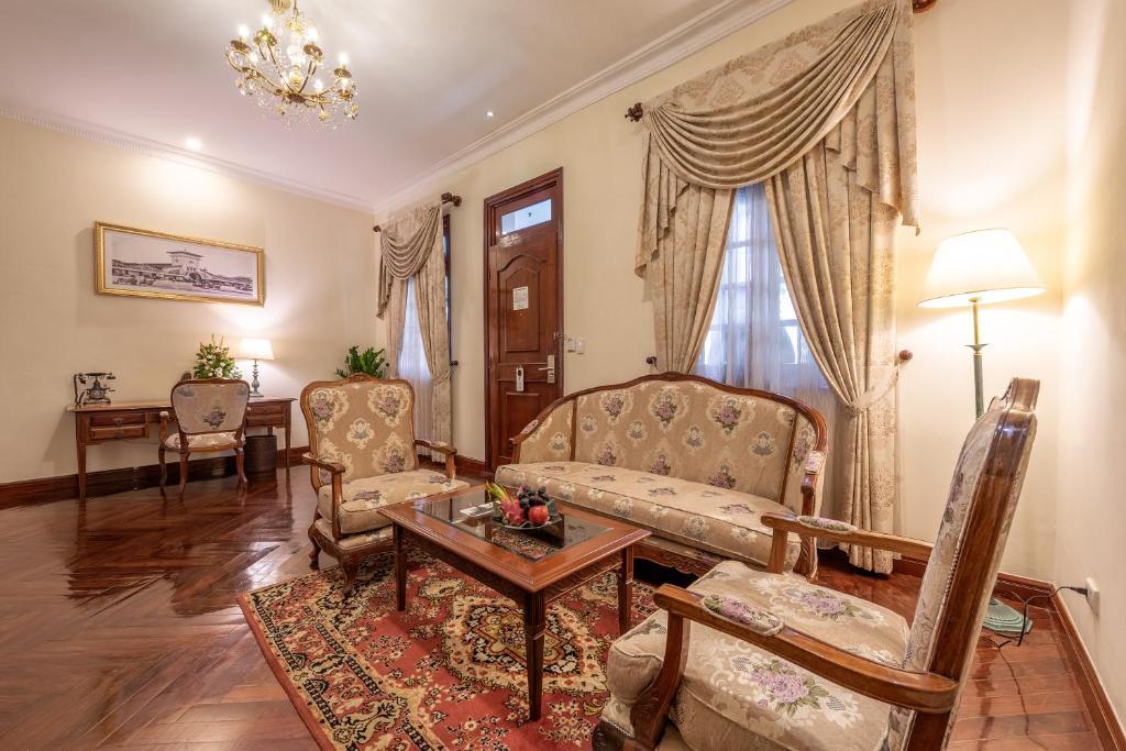 Suite Grand Executive Giường Đôi Với Quyền Sử Dụng Sky Lounge
