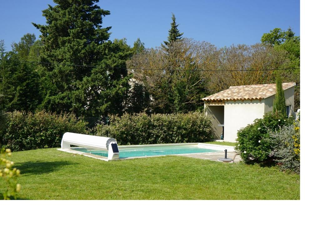 Cabanon de Tati, L'Isle-sur-la-Sorgue – Updated 2020 Prices