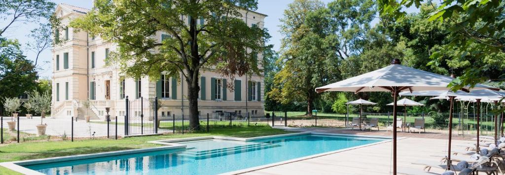 Der Swimmingpool an oder in der Nähe von Château de Montcaud