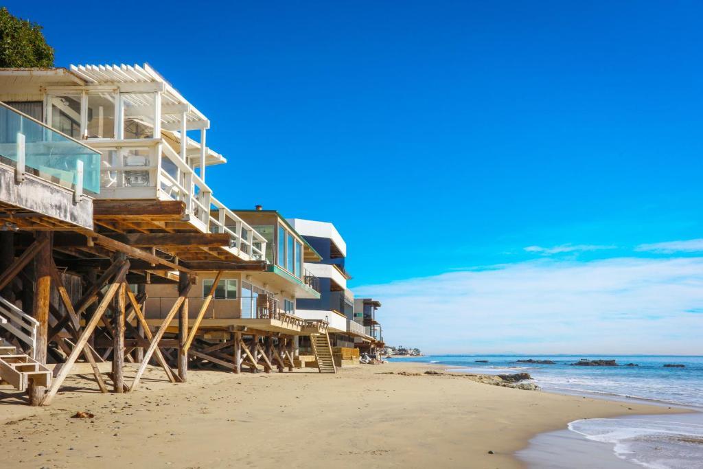 Vacation Home Beachfront Malibu