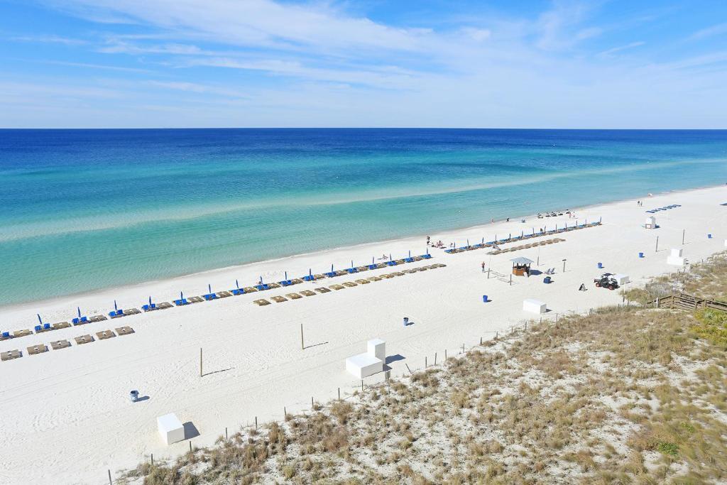 Emerald Beach 727