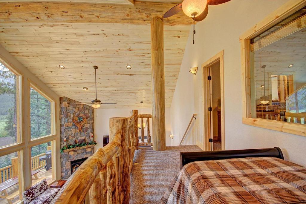Grand Moose Lodge