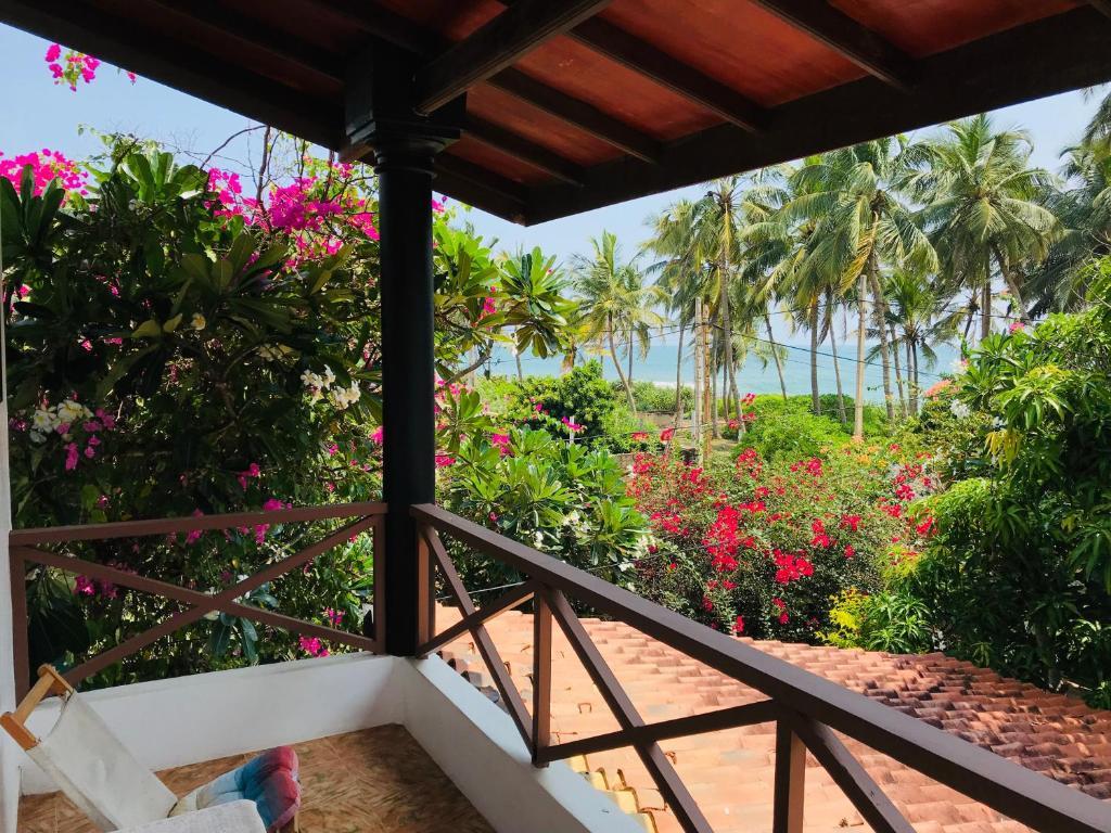 Sri Beach Bungalows And Villa Marawila Lanka Booking