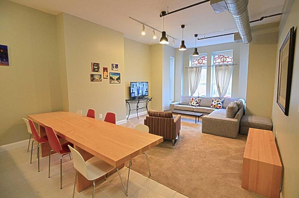 A restaurant or other place to eat at 1123 Northwest Apartment #1052 Apts