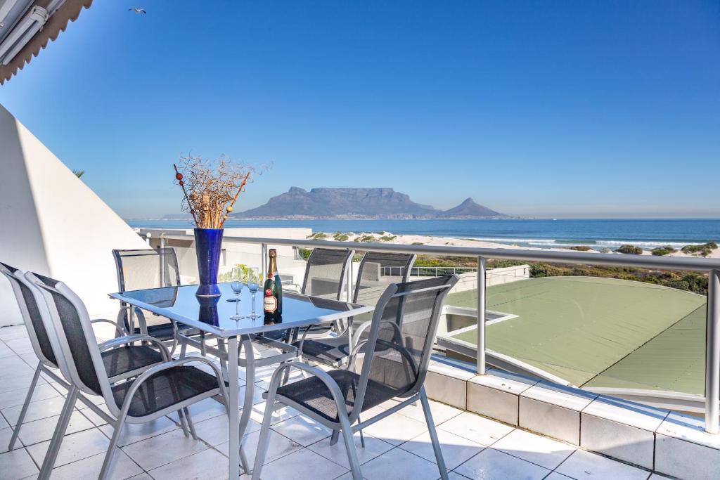 Apartment Dolphin Beach H107 Cape Town South Africa