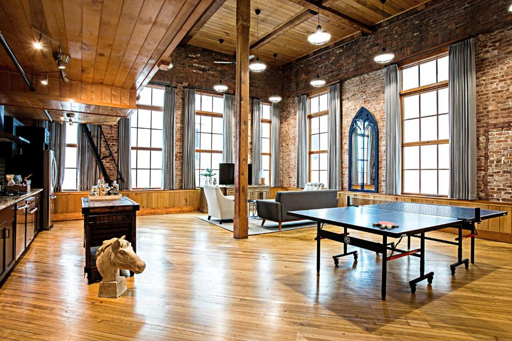 Ping-pong facilities at The Restoration Hotel or nearby
