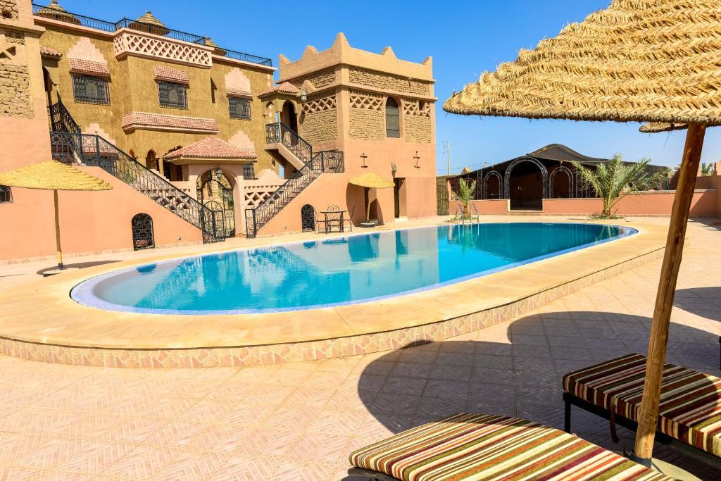 المسبح في Riad Nezha أو بالجوار