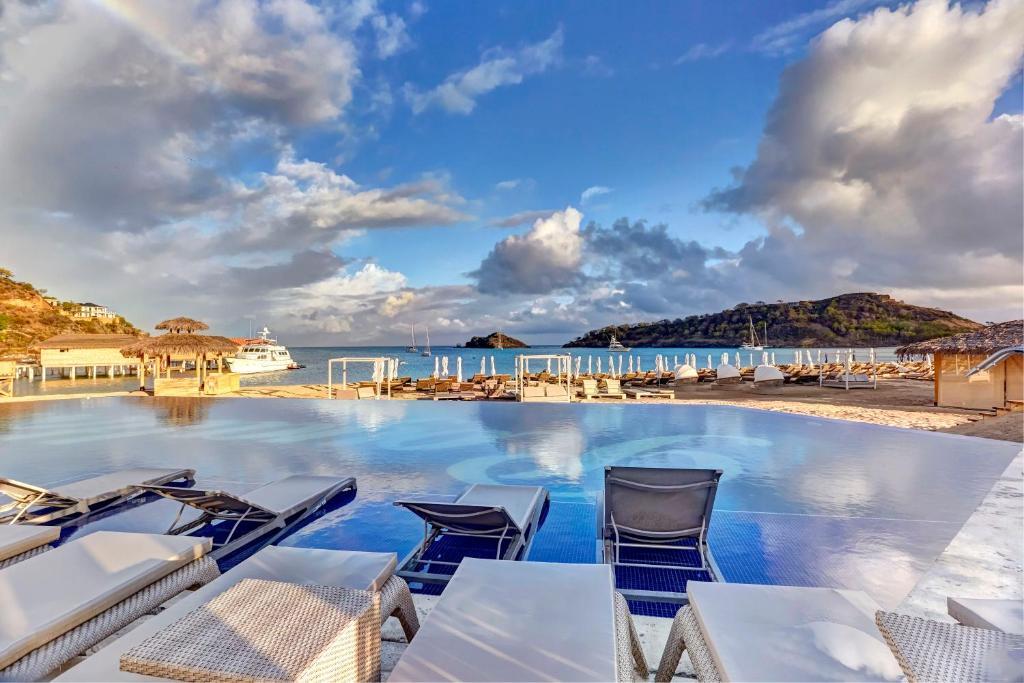 Piscina di Royalton Antigua Resort and Spa - All Inclusive o nelle vicinanze
