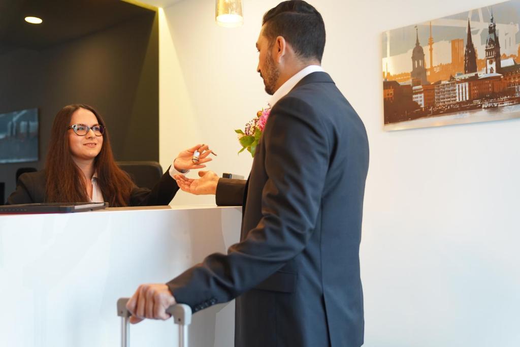 Hotel Dias Pinneberg Germany Bookingcom
