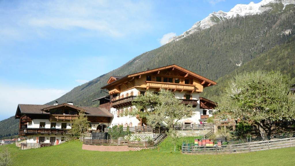 Imprint - Hotel Stacklerhof - Neustift im Stubaital - Stubaier