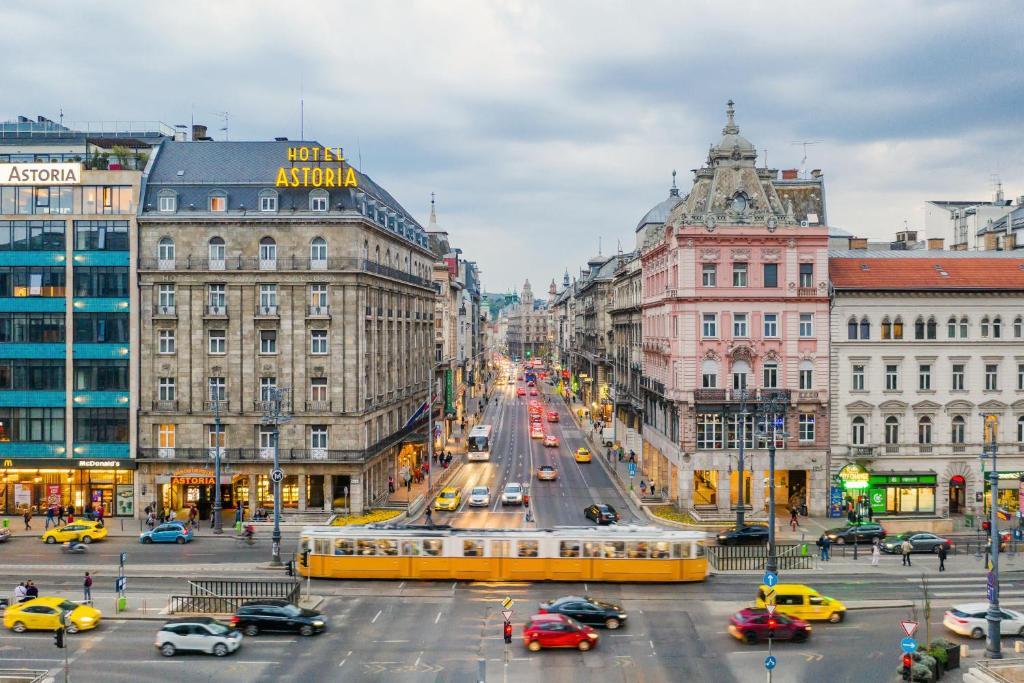Hotel Danubius Astoria Budapest Hungary Booking Com