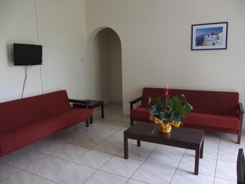 Гостиная зона в Kefalonitis Hotel Apartments