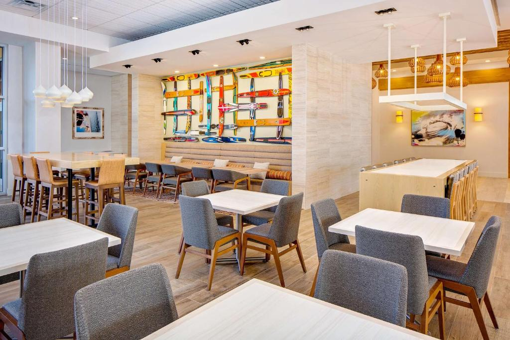 A restaurant or other place to eat at Hyatt House across from Universal Orlando Resort