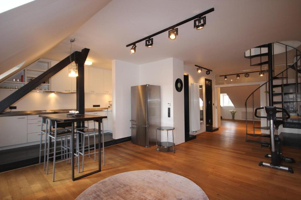 Kuchyňa alebo kuchynka v ubytovaní Prague Castle View Apartment with Air conditioning