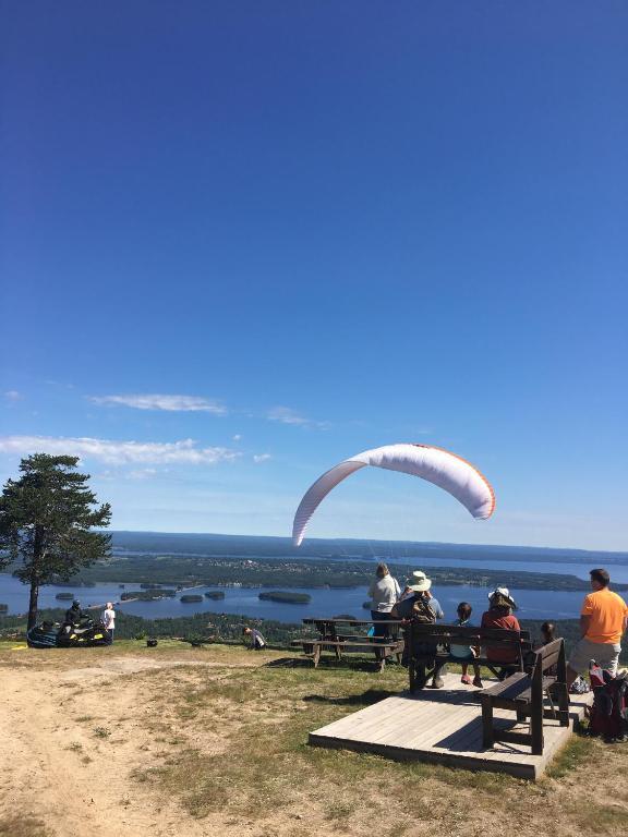 Tre kvinnor - ldre foton frn Soller socken Mora, Sweden
