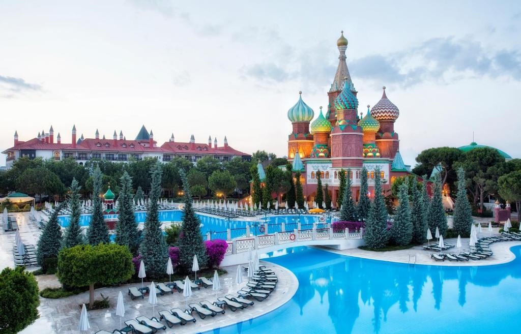 A view of the pool at Asteria Kremlin Palace or nearby