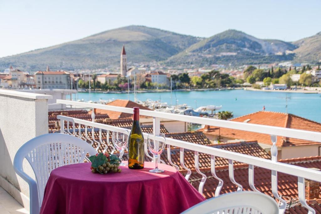 A balcony or terrace at Villa Jadran