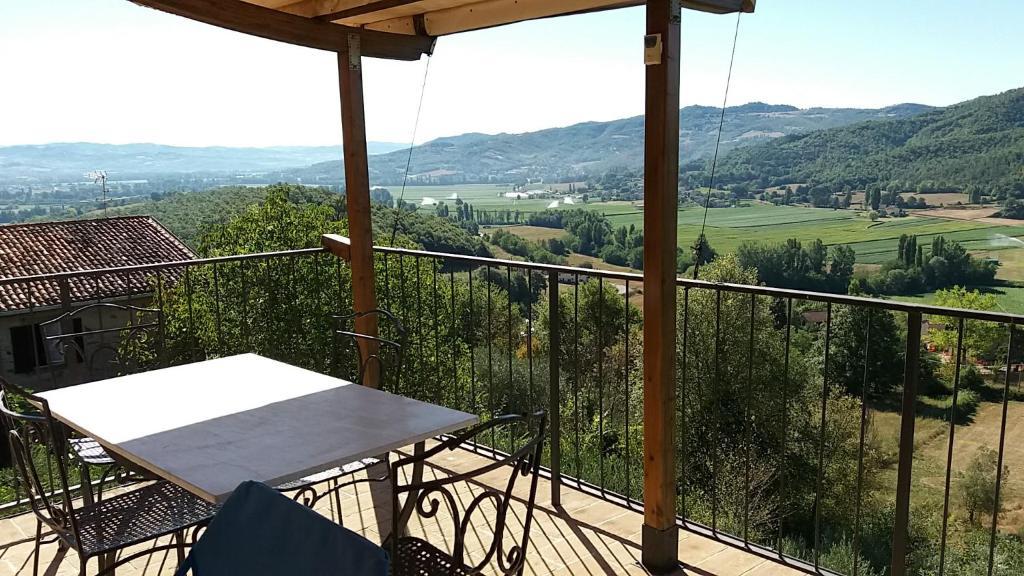 Piscina Per Terrazzo.Vacation Home Il Terrazzo Sulla Valle Con Piscina Lugnano