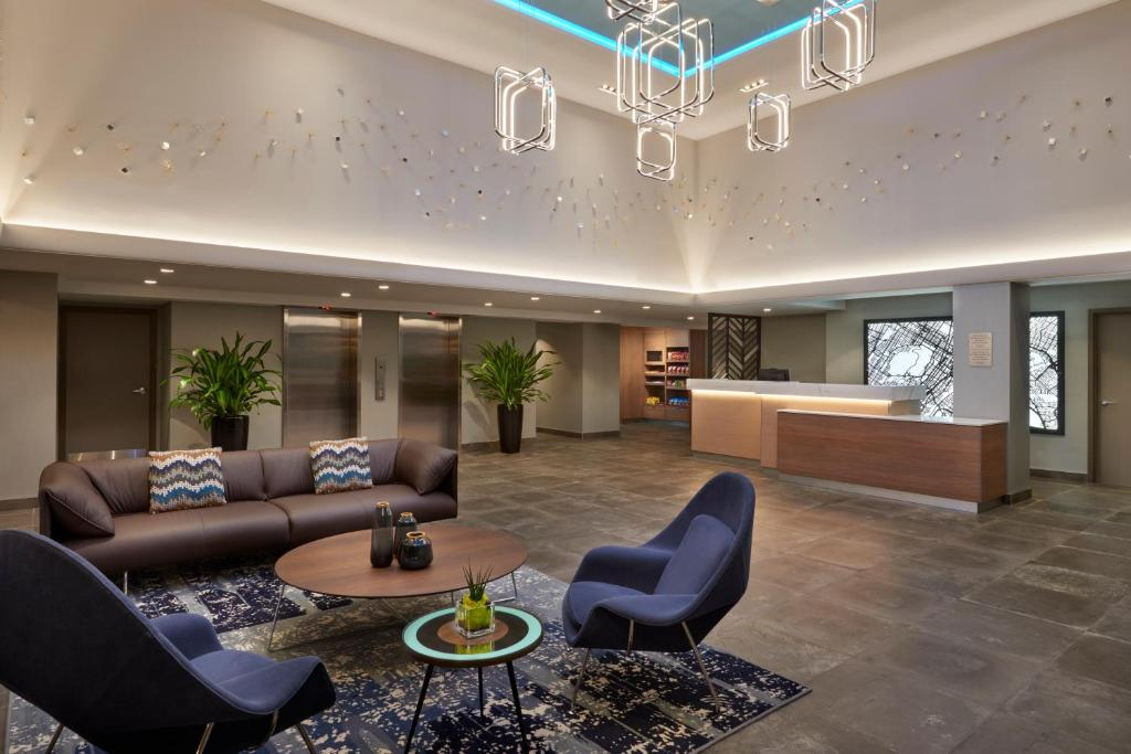 The lobby or reception area at Fairfield by Marriott Montreal Downtown