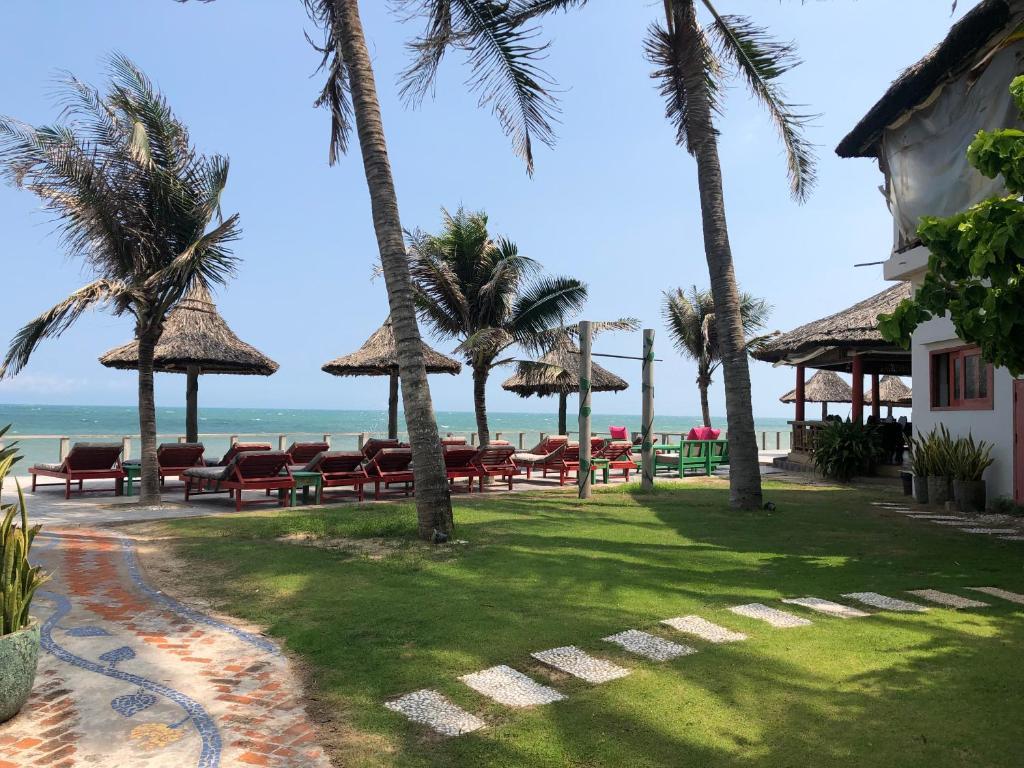 Full Moon Beach Resort