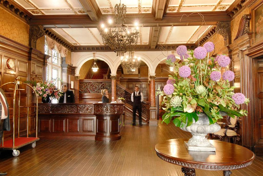 The lobby or reception area at Grand Royale London Hyde Park