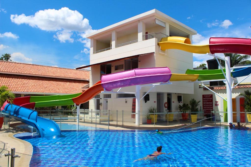 Hotel y Restaurante Villa Hasbleidy, Melgar, Colombia ...