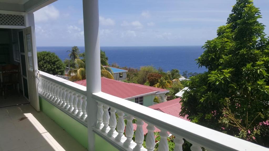 A balcony or terrace at Castile Estate Inn