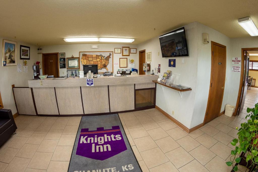 Knights Inn - Chanute
