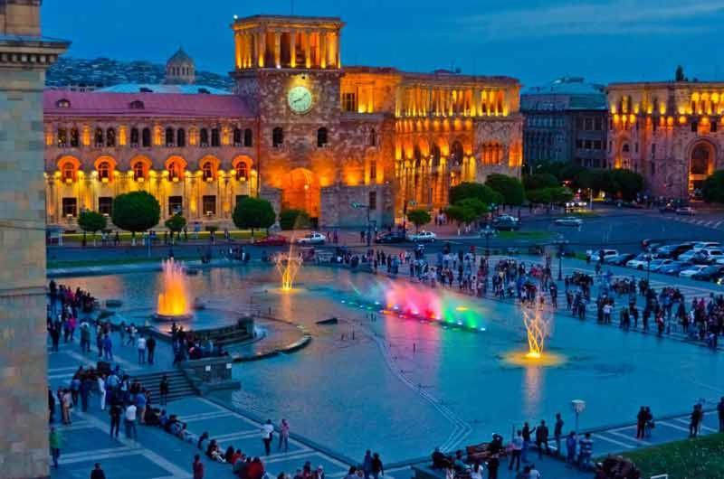 АРМЕНИЯ: «По секрету всему свету»: Какую площадь Еревана нельзя пропустить и как проходит венчание в Армении?