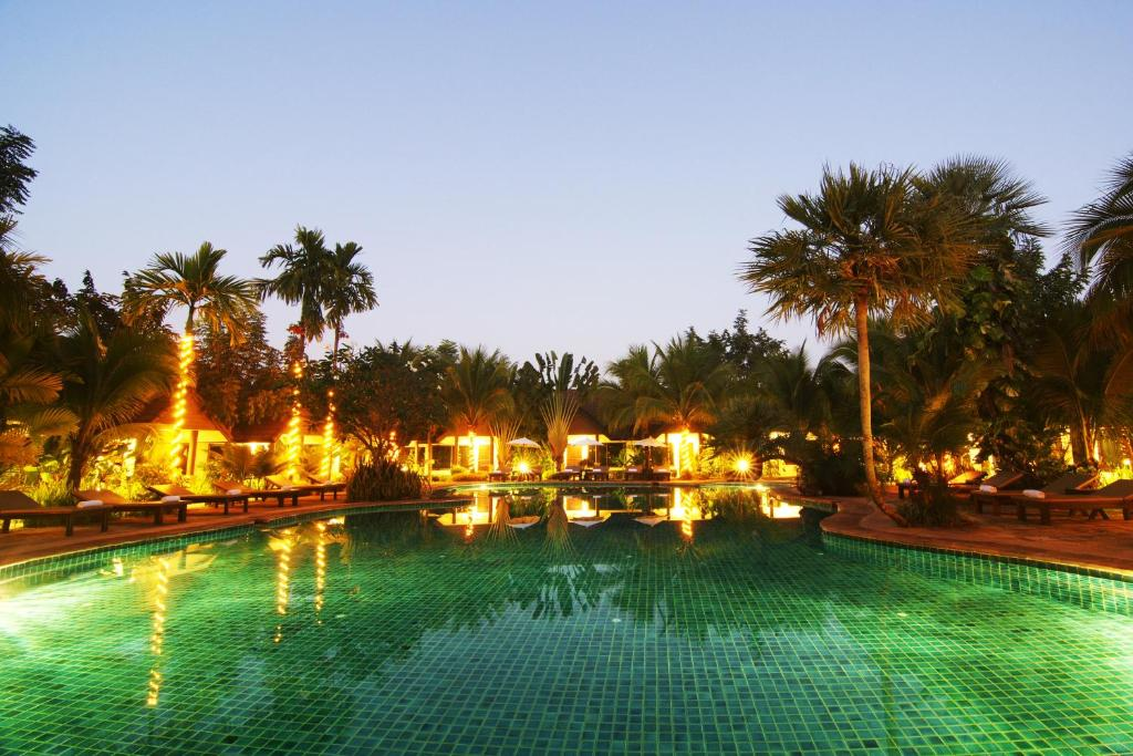 The swimming pool at or near Laluna Hotel And Resort, Chiang Rai