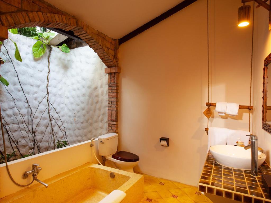 Phòng Deluxe Giường Đôi Nhìn Ra Vườn