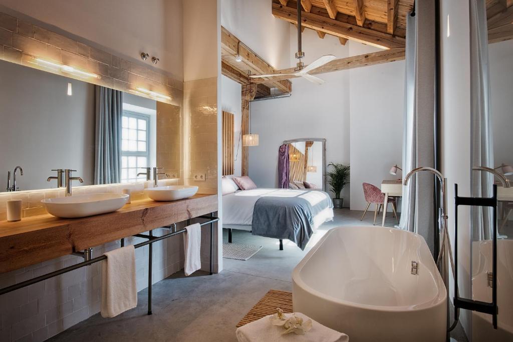 hoteles con encanto en palencia  26
