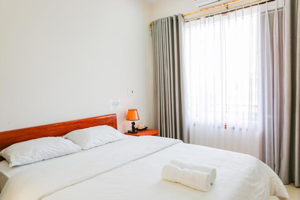 Phòng Deluxe Giường Đôi Có Ban Công