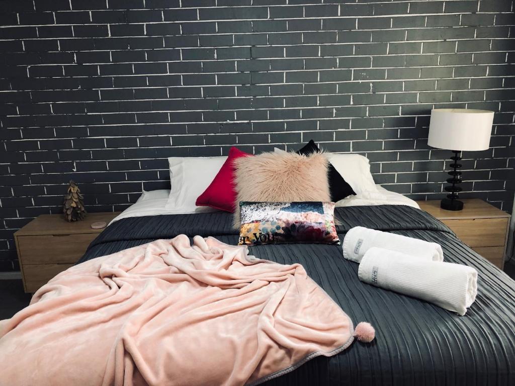 Grey Brick Apartment, Gold Coast – Updated 2020 Prices