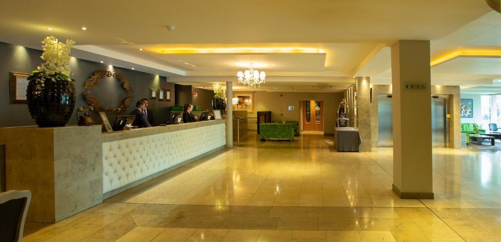 The lobby or reception area at Hotel Kilkenny