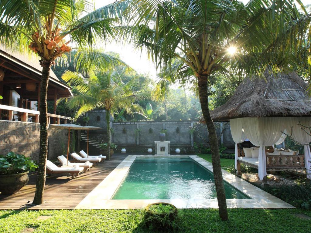 Kalapa Boutique Resort & Yoga tesisinde veya buraya yakın yüzme havuzu