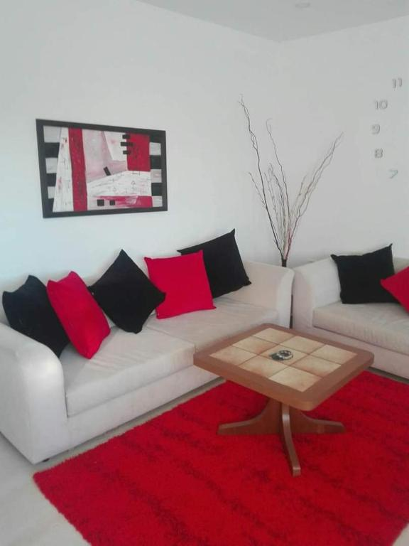 Appartement rouge et noir (Tunisie Bizerte) - Booking.com