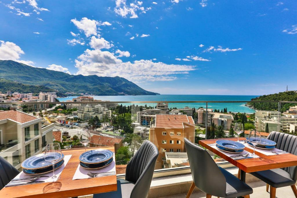A restaurant or other place to eat at Hotel Lusso Mare