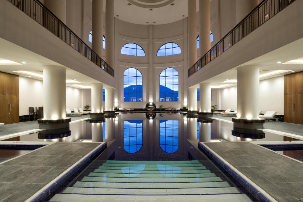 Бассейн в Отель Корпоративный Центр Сбербанка или поблизости