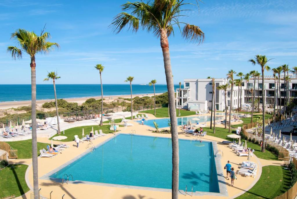 Hipotels Barrosa Park (España Novo Sancti Petri) - Booking.com