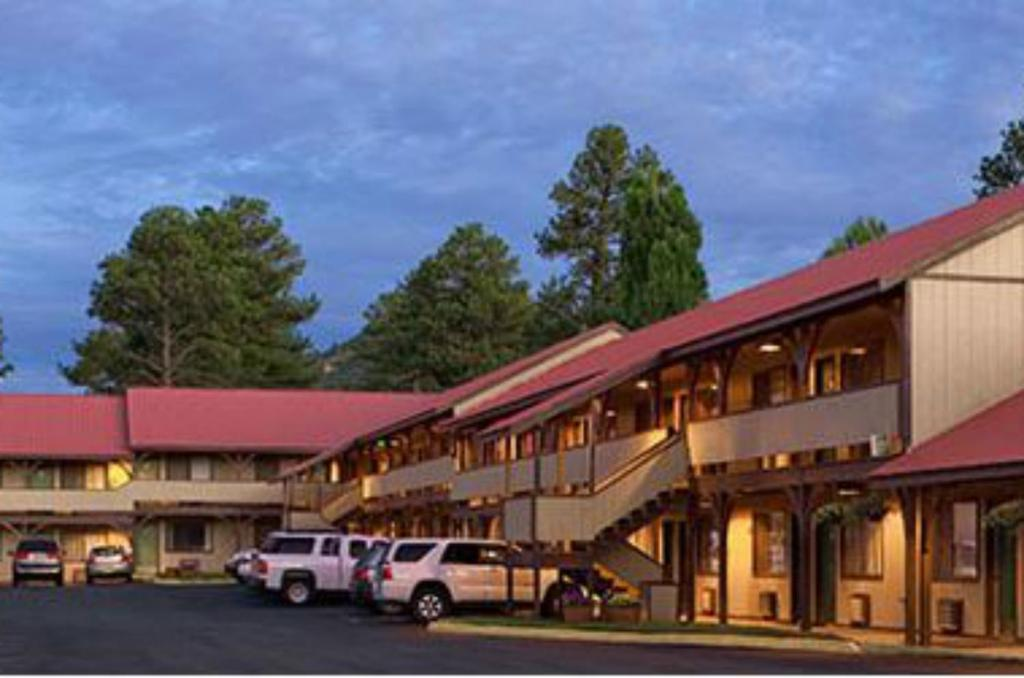 hotels in chama nm