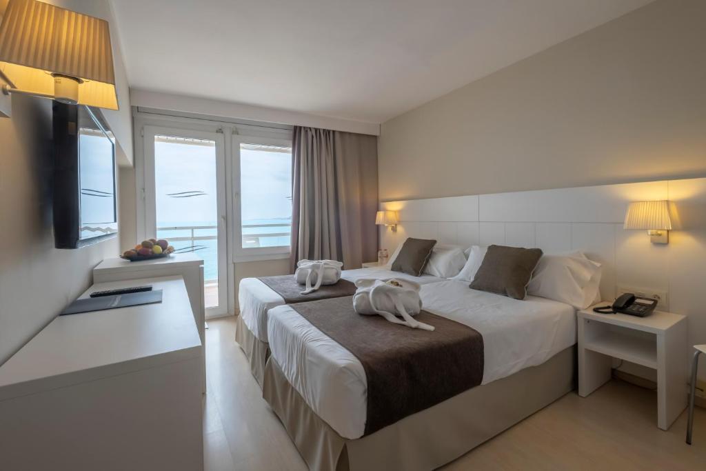 Hotel Rosamar Maxim Lloret De Mar Spain Booking Com