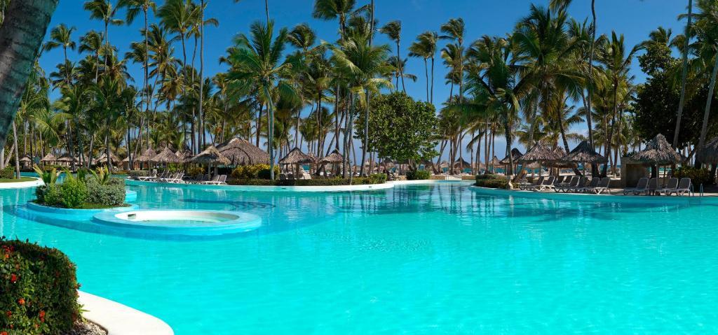 Piscina di Meliá Punta Cana Beach Resort Adults Only -All Inclusive o nelle vicinanze