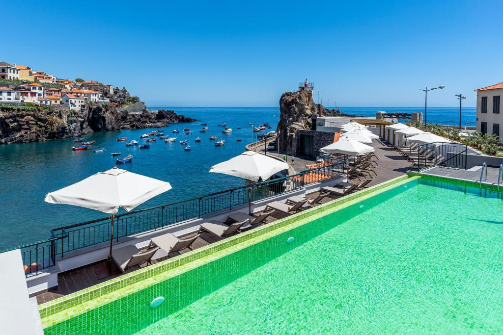 A view of the pool at Pestana Churchill Bay or nearby